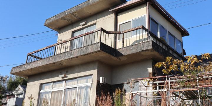 老朽化している空き家
